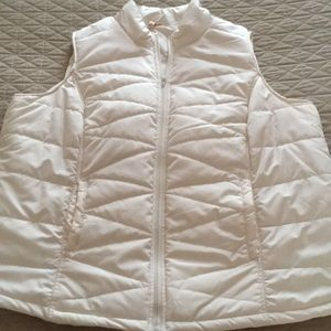 Red Camel puffer vest 2X cream